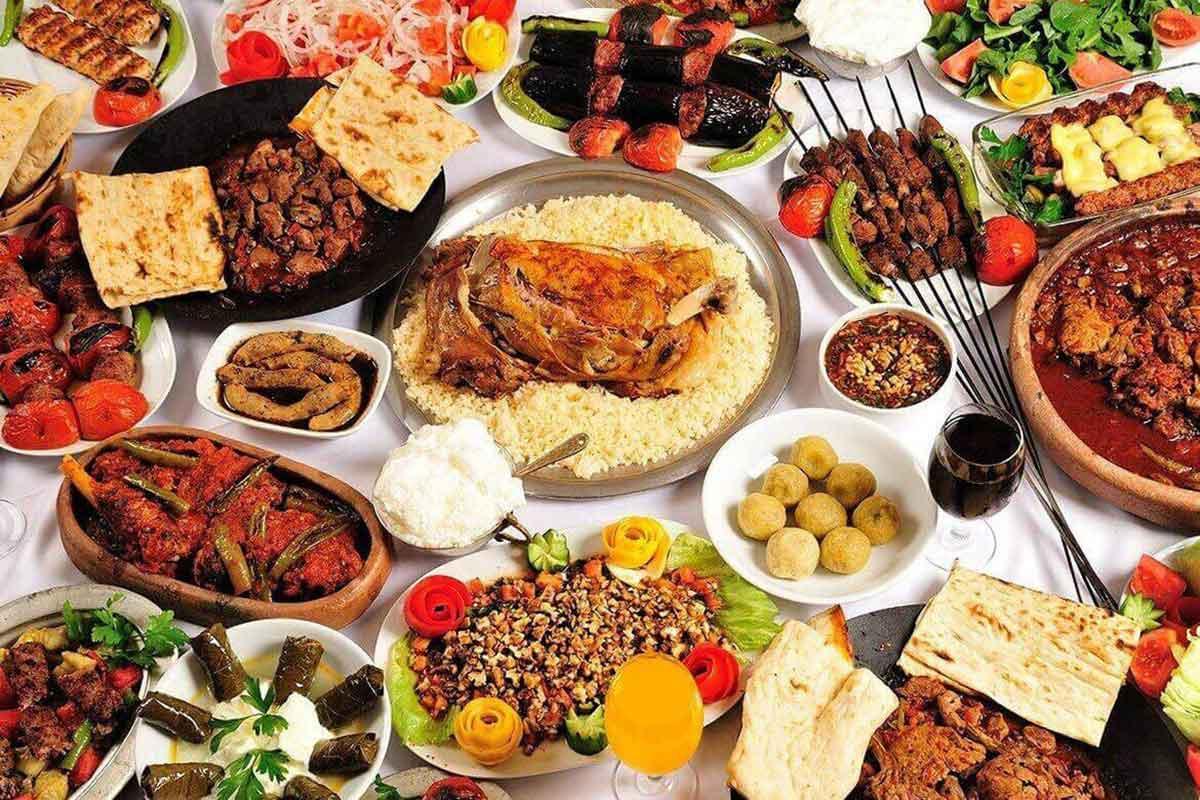 Türkische Rezepte: 18 originale Speisen aus der türkischen Küche