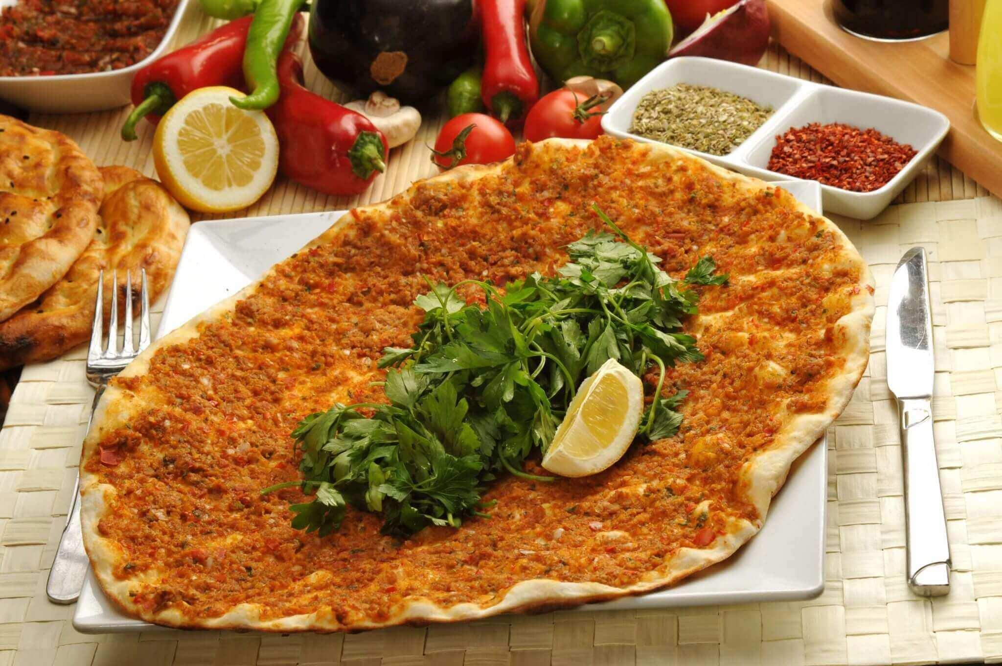 Türkische Pizza - Lahmacun