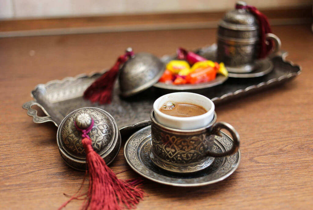 Türkischer Mokka mit Schokolade - Çikolatalı Türk Kahvesi