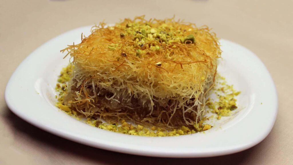 Türkische Dessert aus Teigfäden - Kadayıf