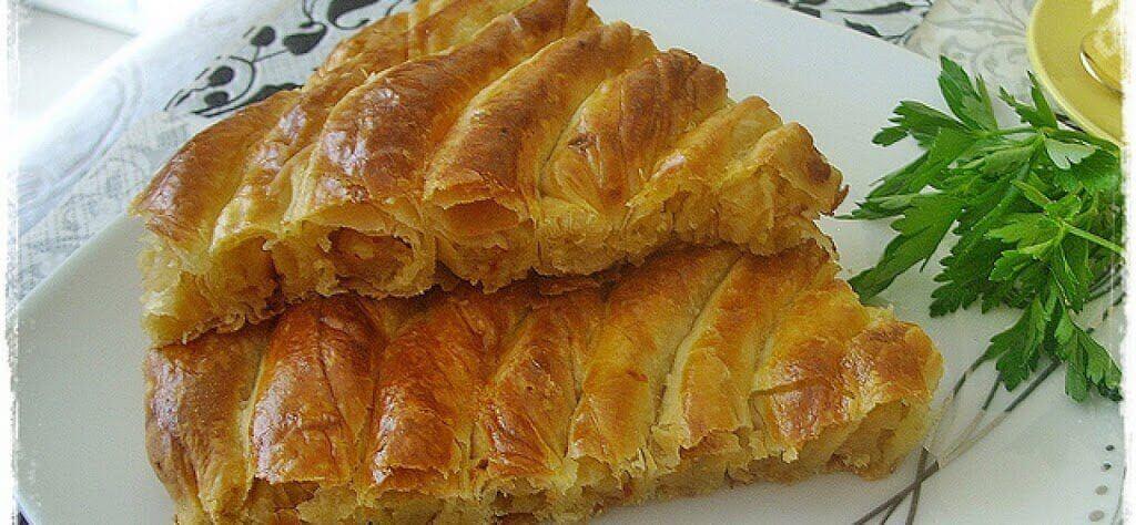 Türkischer Arm-Börek mit Kartoffelfüllung - Patatesli Kol Böreği
