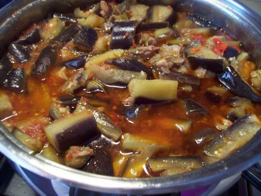Auberginen Eintopf - Sulu Patlıcan Yemeği