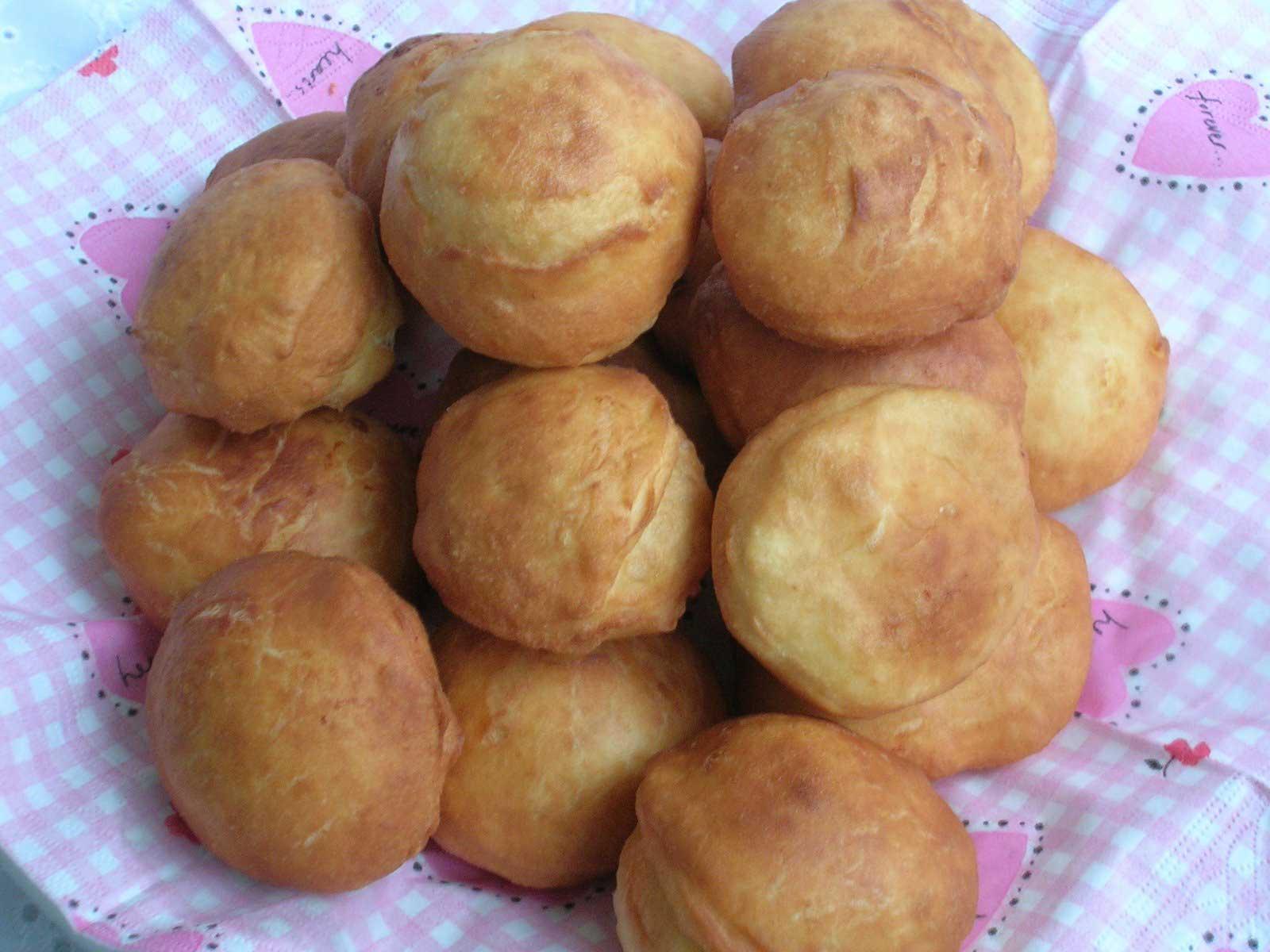 Frittierte Teigstücke - Pişi
