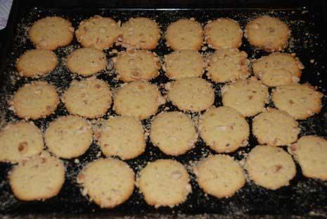 kekse-mit-nussen-rezept-findikli-biskuvi-tarifi-7