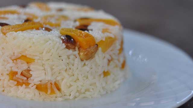 Photo of Reis mit Aprikosen und Mandeln – Kayısılı Bademli Pilav