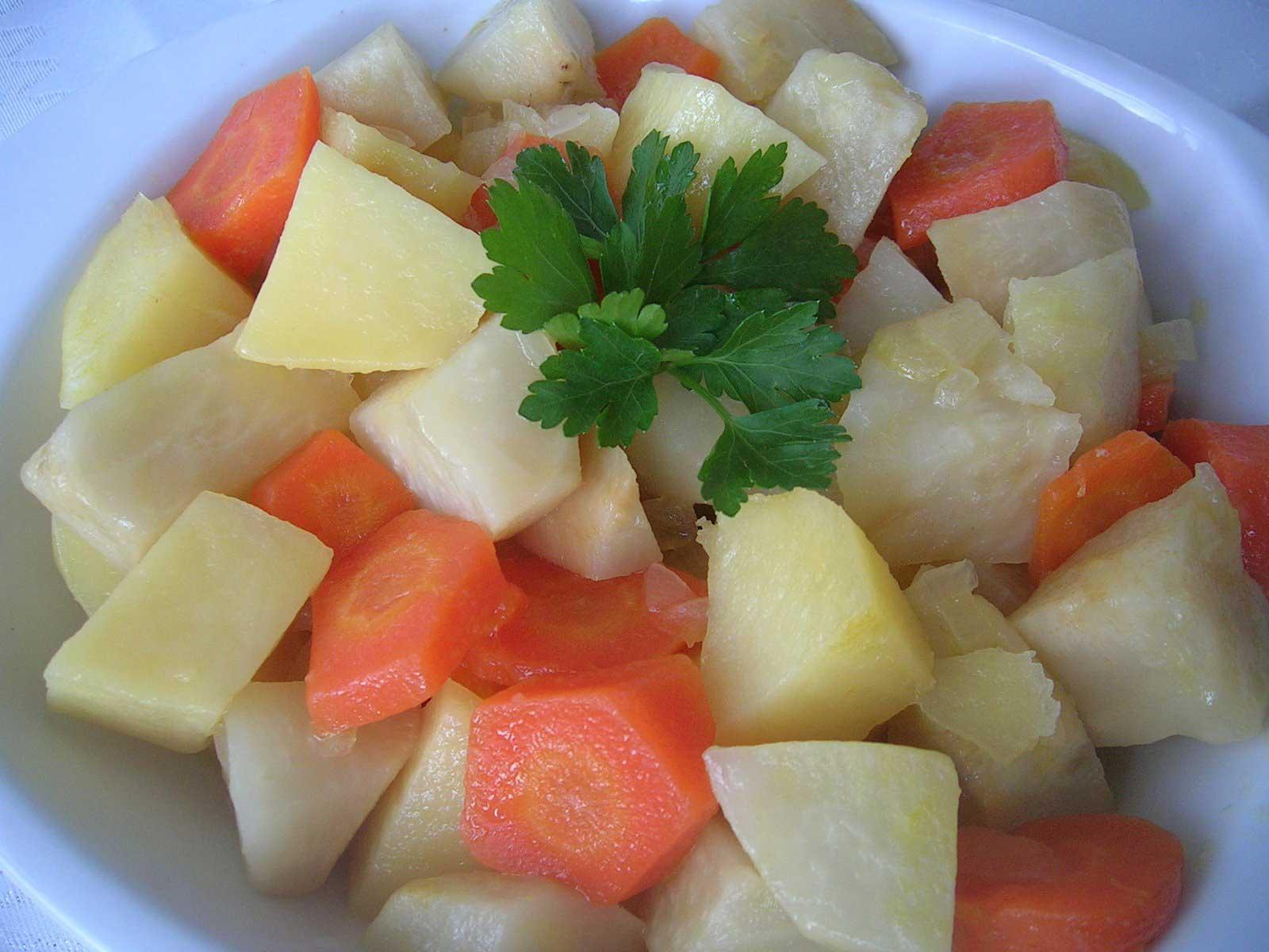 Sellerie mit Orangen - Portakallı Kereviz