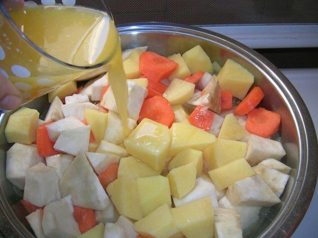 sellerie-mit-orangen-rezept-portakalli-kereviz-yapilisi