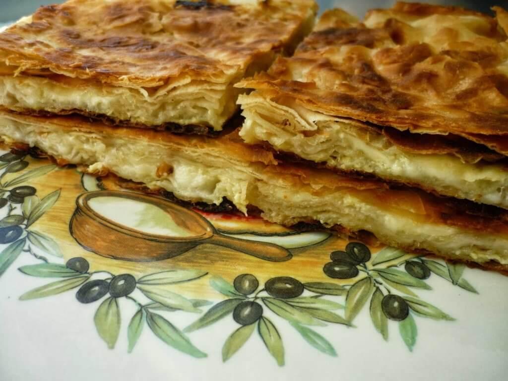 Börek aus Blätterteig mit Käse - Peynirli Yufka Böreği