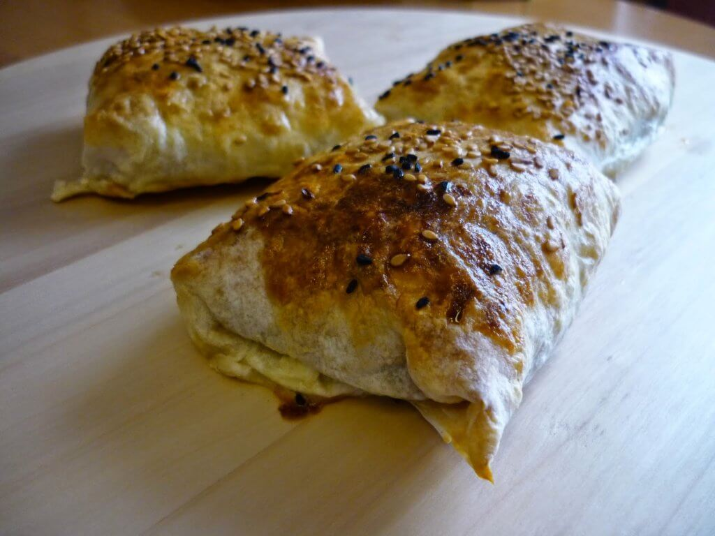 Börek mit Hackfleisch- Kıymalı Bohça Börek
