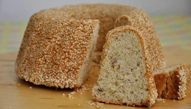 Kuchen mit Sesampaste und Sesammantel – Susam Mantolu Tahinli Kek