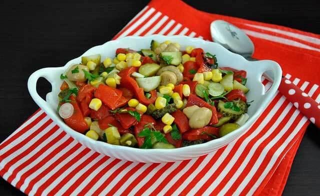 Paprikasalat - Kırmızı Biberli Salata