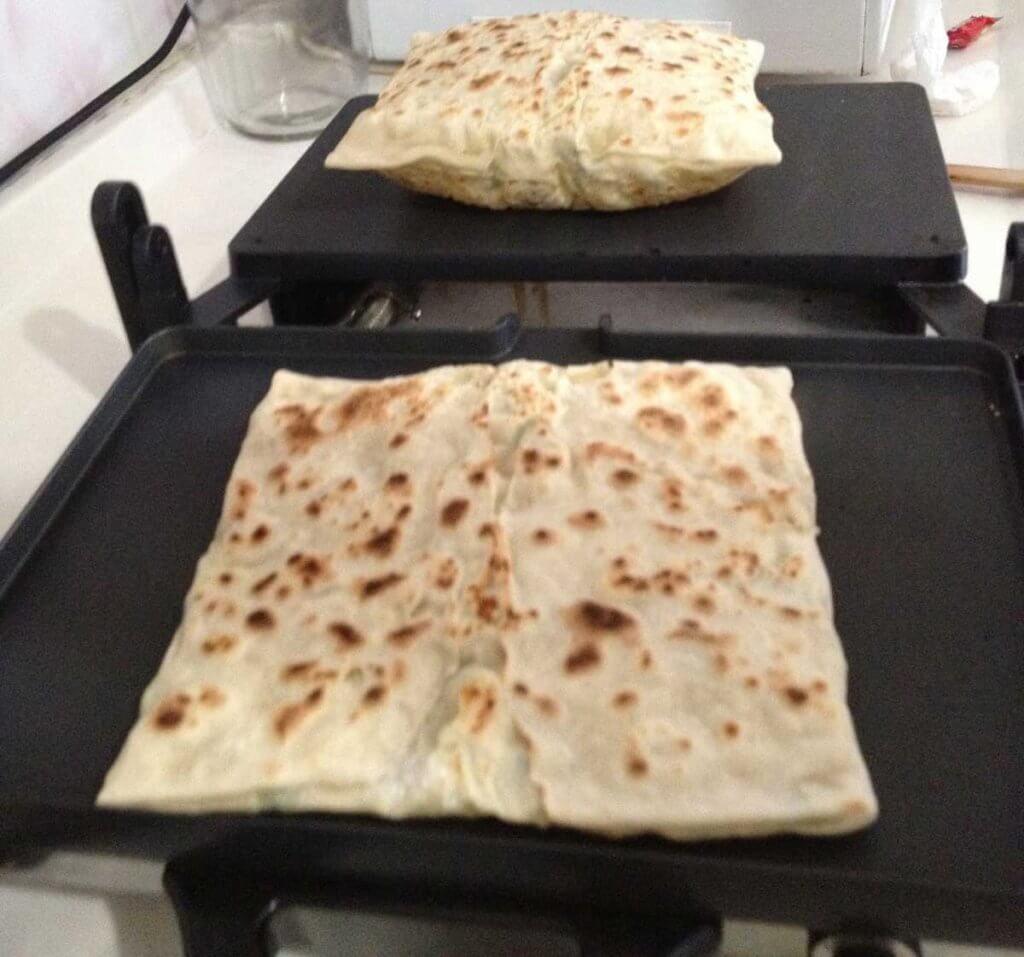 Pfannkuchen mit Spinat und Käse Rezept - Ispanaklı Peynirli Gözleme Tarifi