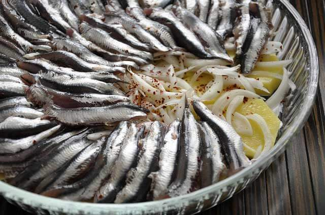 Sardellen mit Kartoffel Rezept - Patatesli Hamsi Buğulama Tarifi