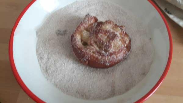 Gebratener Roll-Kuchen mit Apfelfüllung Rezept - Elmalı Rulo Kızartması Tarifi