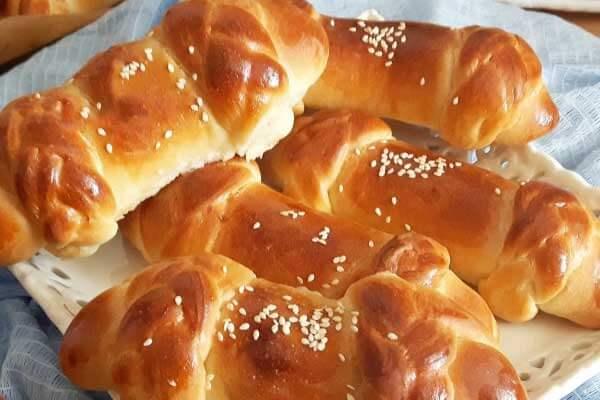Geflochtener Börek mit Käse - Örgülü Peynirli Poğaça