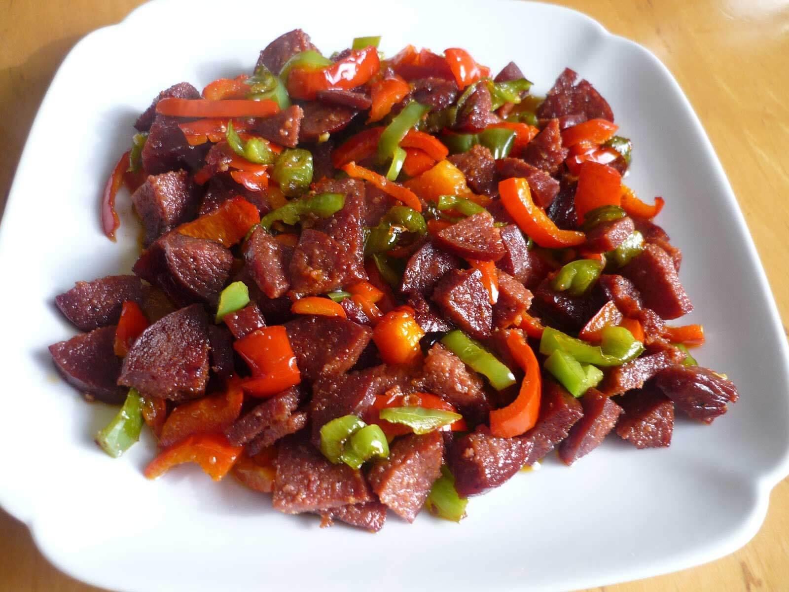 Knoblauchwurst mit Paprika - Biberli Sucuk