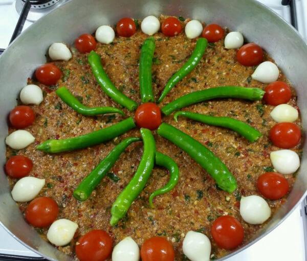 Lokales Gericht - Kilis Tava