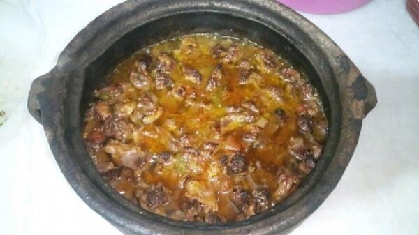 Fleischpfanne im Tontopf - Güveçte Et Sote