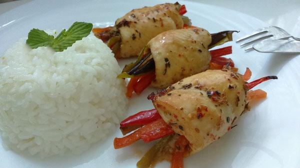 Hähnchenrolle mit Gemüse - Sebzeli Tavuk Sarma