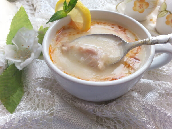 Hühnersuppe - Terbiyeli Tavuk Çorbası