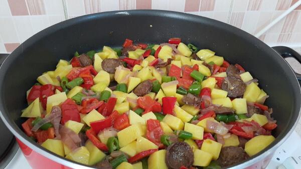 Kartoffel mit Sucuk - Sucuklu Patates