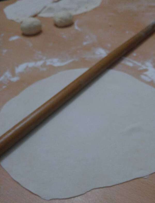 Türkischer Pfannkuchen mit Käse - Peynirli Gözleme