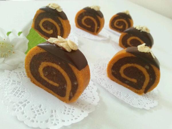 Türkischer zweifarbiger Möhrenkuchen – Cezerye