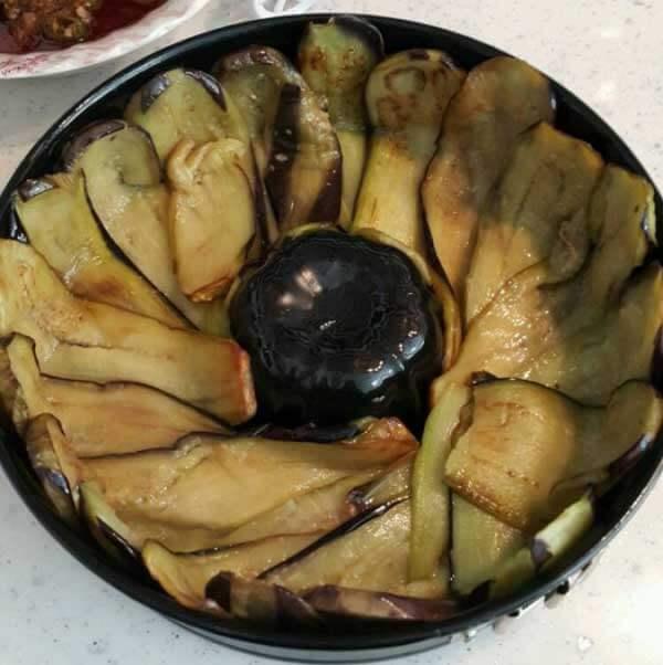 Auberginen mit Hackfleisch - Patlıcan Dizme