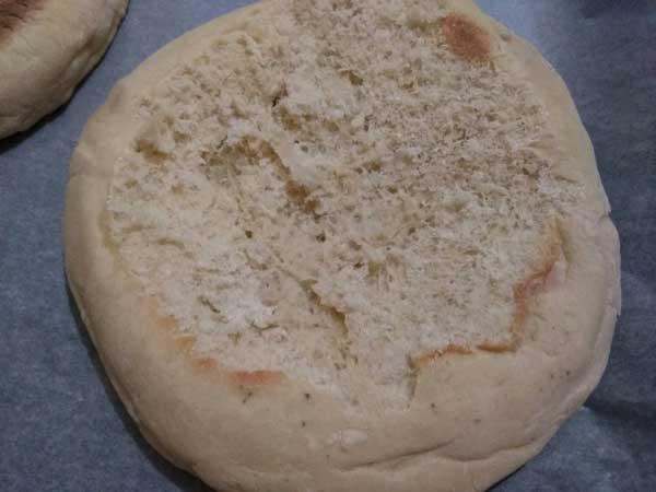 Brot mit Sucuk und Ei - Bazlamada Sucuklu Yumurta