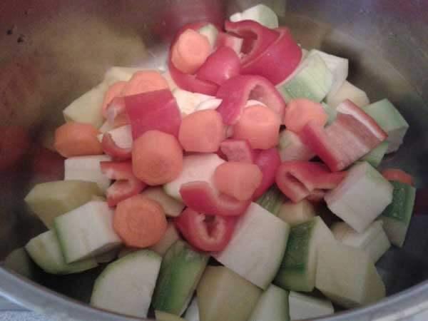 Gemüsesuppe mit Soße - Terbiyeli Sebze Çorbası