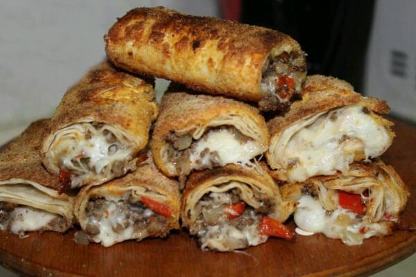 Knusprige Börek mit Hackfleisch - Kıymalı Çıtır Börek