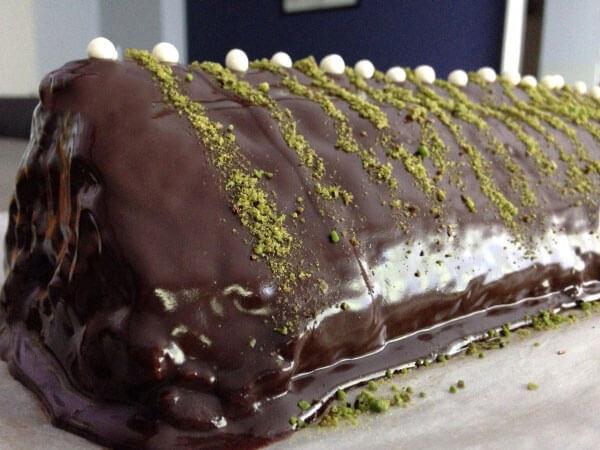 Kuchen aus Butterkeksen - Bisküvili Piramit Pasta