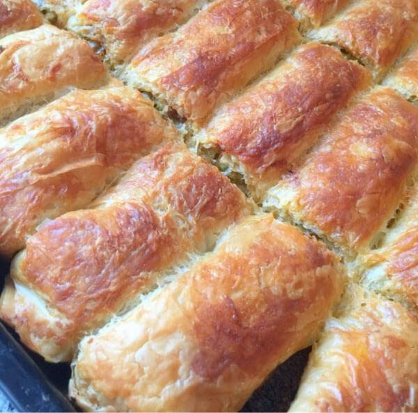 Börek mit Porree und Hackfleisch - Pırasalı Kıymalı Börek