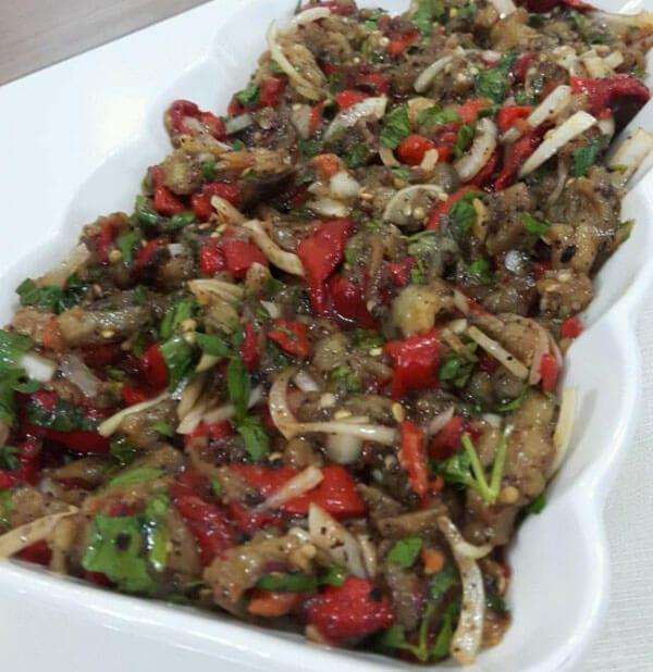 Auberginensalat mit Isot - İsotlu Patlıcan Salatası