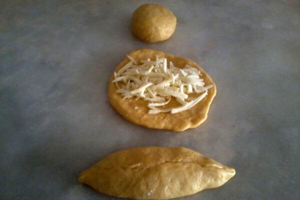 Börek mit Gouda - Kaşarlı Simit Poğaça