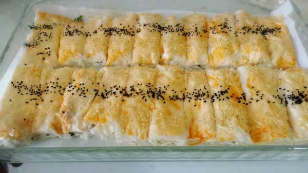 Börek mit Käse - Baklava Yufkasından Peynirli Börek