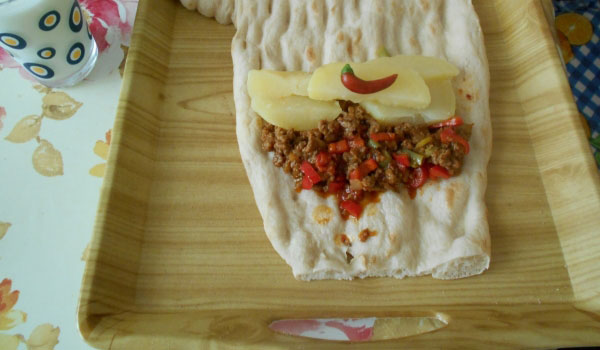 Wrap mit Kartoffel und Hackfleisch - Patatesli Kıymalı Dürüm