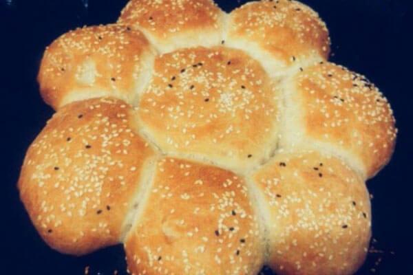 Gänseblümchen Brot -Papatya Ekmek