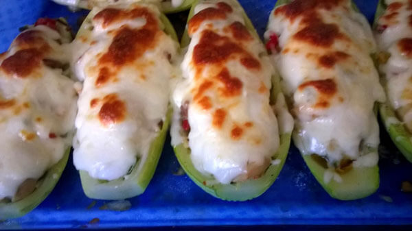 Hähnchen und Zucchini aus dem Ofen - Fırında Tavuklu Kabak