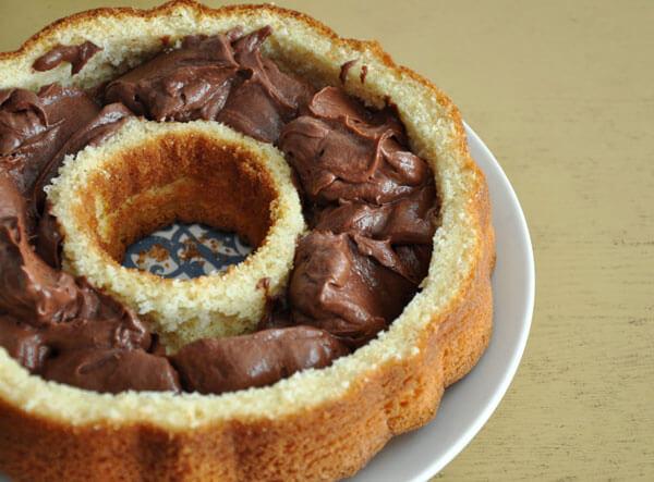 Kuchen mit Schokofüllung - Çikolata Dolgulu Kek