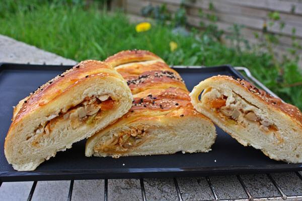Gebäck mit Hähnchen und Champignons - Tavuklu Mantarlı Poğaça