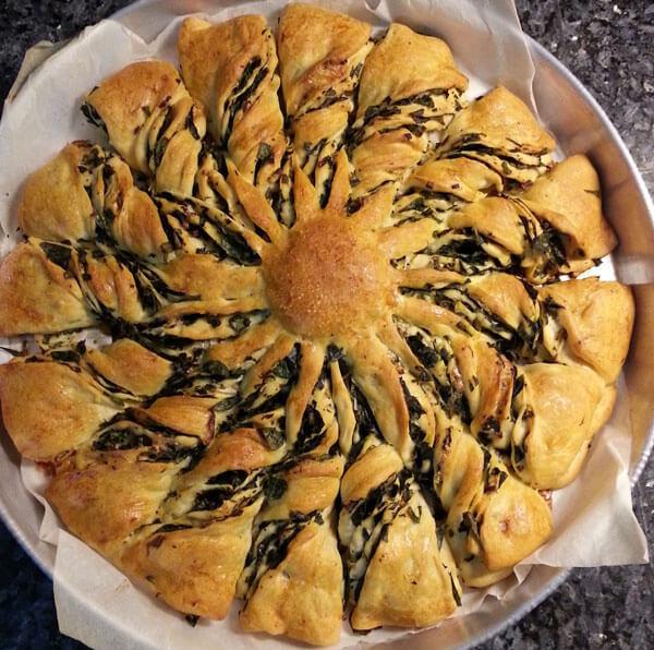 Gebäck mit Spinat - Ispanaklı Çörek