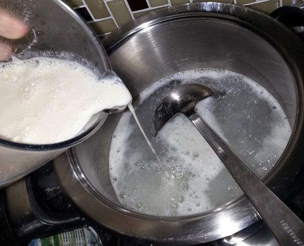 Hühnersuppe - Tavuk Suyu Çorbası