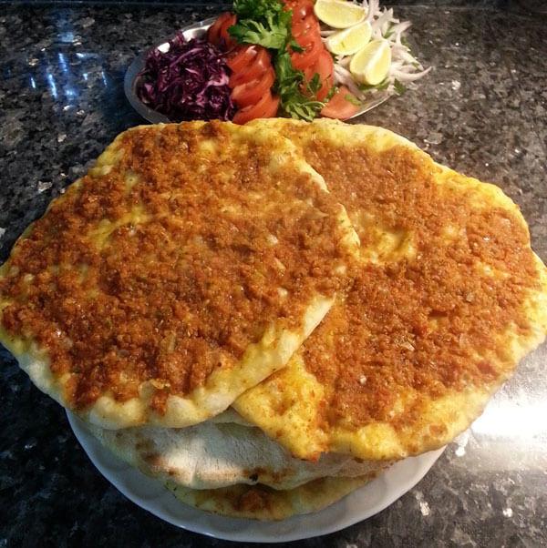 Praktische türkische Pizza - Pratik Ev Lahmacunu