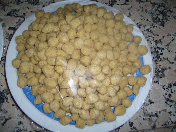 Weizengrütze Klöße mit Joghurt - Yoğurtlu Köfte