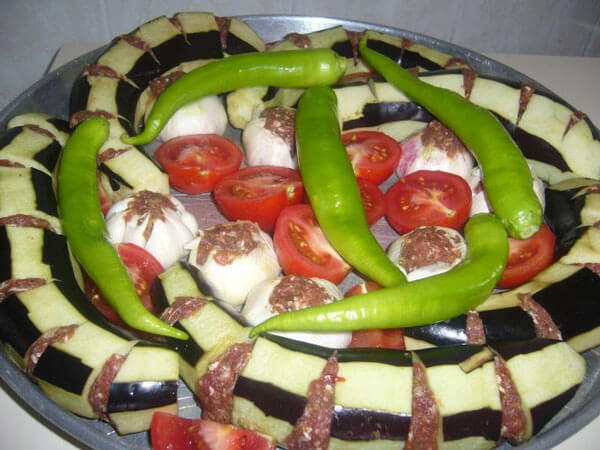 Auberginen Kebab - Pratik Patlıcan Kebabı