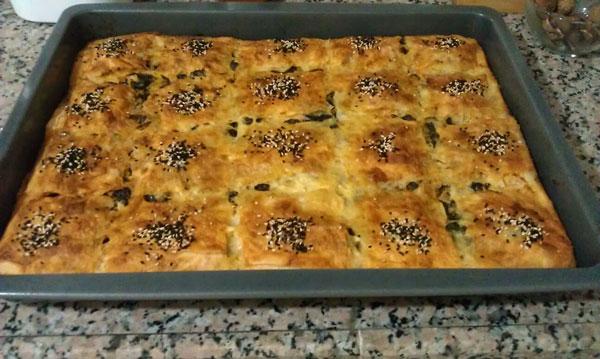 Hausgemachte Börek mit Spinat - Ispanaklı Ev Böreği