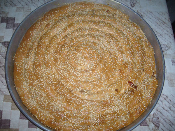 Türkisches Gebäck mit Käse - Peynirli Kol Böreği