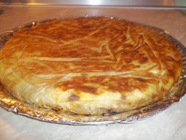 Börek aus der Pfanne mit Mangold - Pazılı Tava Böreği