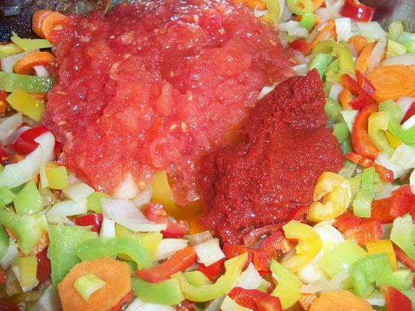 Kichererbsen mit Gemüse - Sebzeli Nohut